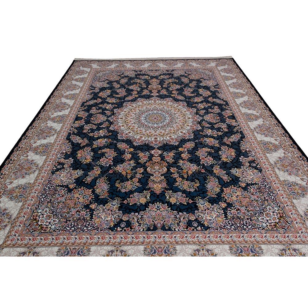 فرش ماشینی 1200 شانه کلکسیون فرشینه کد 12400 زمینه سورمه ای نقره ای گل برجسته