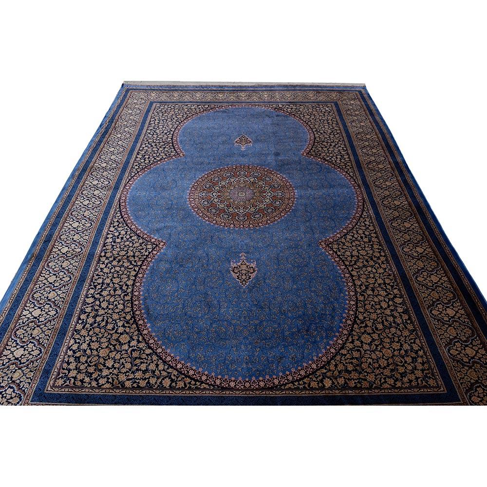فرش ماشینی ابریشم بافت قیطران طرح ترمه زمینه آبی روشن