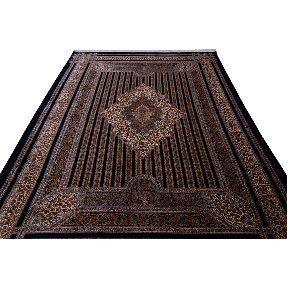 فرش ماشینی ابریشم بافت قیطران کلکسیون قم کد 263 زمینه سورمه ای